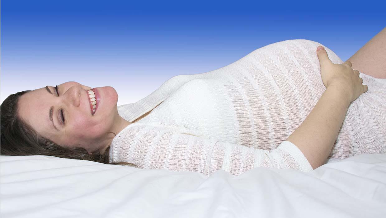liegende Schwangere